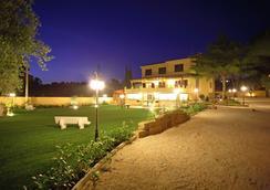 Bed And Breakfast La Corte Degli Ulivi - Civitavecchia - Outdoor view