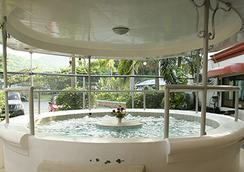 Splash Oasis Resort Hotel - Los Baños - Attractions