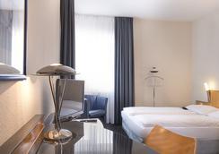 Days Inn Berlin City South - Berlin - Bedroom