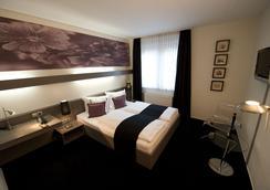 Days Inn Berlin West - Berlin - Bedroom