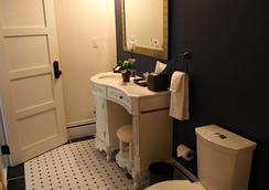 Patterson Inn - Denver - Bathroom