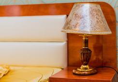 Premium Amphitryon - Bucharest - Bedroom