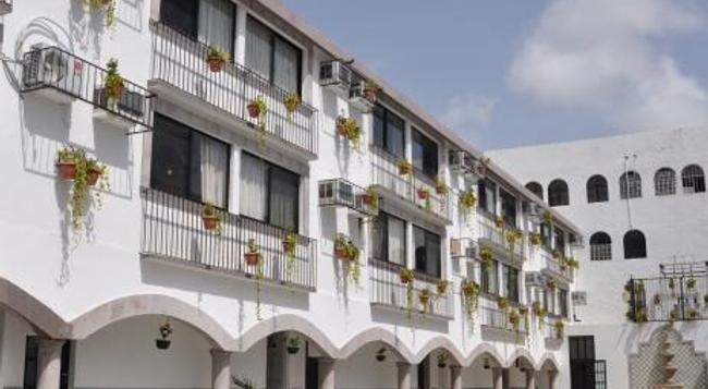 Hotel Hacienda de Castilla - Cancun - Building