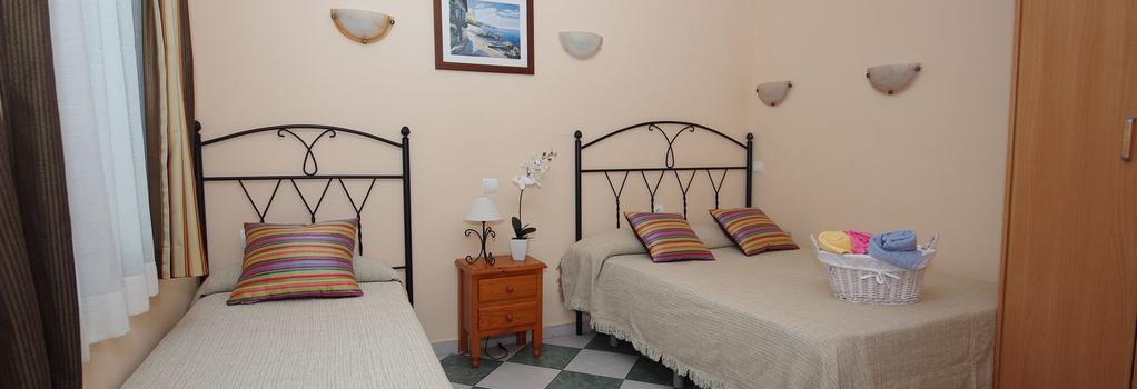 Pension Aduar - Marbella - Bedroom