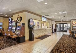 Days Inn Las Vegas At Wild Wild West Gambling Hall - Las Vegas - Lobby