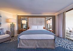 Naples Grande Beach Resort - Naples - Bedroom