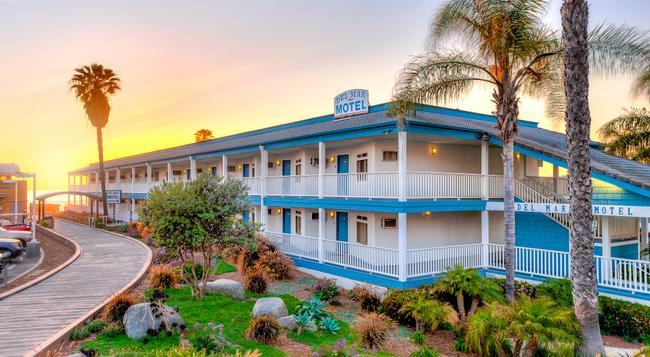 Del Mar Motel on the Beach - Del Mar - Building