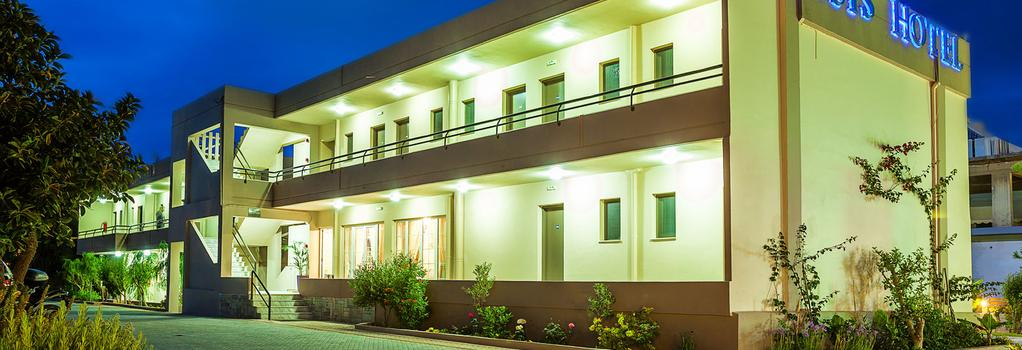 Oasis Hotel - Gazi - Building