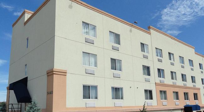 Sheridan Hotel - Bronx - Building