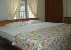 Nathan's Holiday Home - Kochi - Bedroom