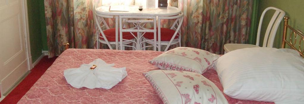 Hotel Pension Ingeborg - Berlin - Bedroom