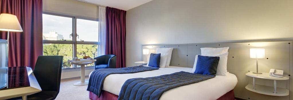 Garden Beach Hotel - Juan-les-Pins - Bedroom