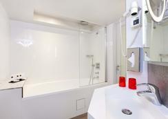 Hotel Opera Marigny - Paris - Bathroom