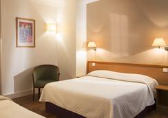 Central Hotel Paris - Paris - Bedroom