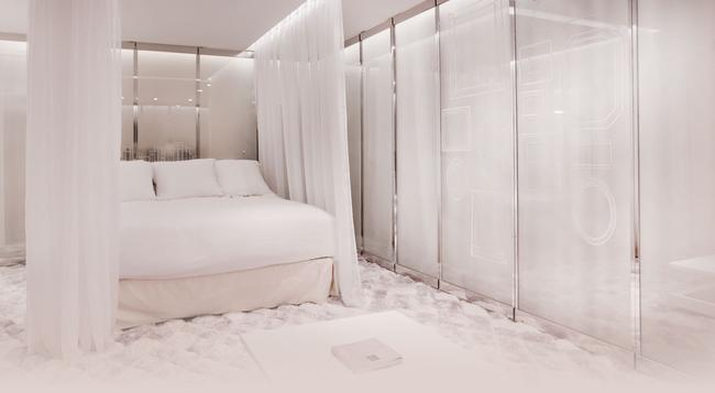 Seven Hotel Paris - Paris - Bedroom