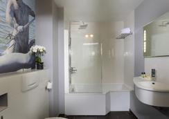 Hotel Le Versailles - Versailles - Bathroom