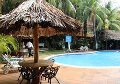 Gran Hotel Paris - La Ceiba - Pool