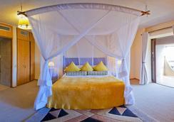 Elephant Hills Resort - Victoria Falls - Bedroom
