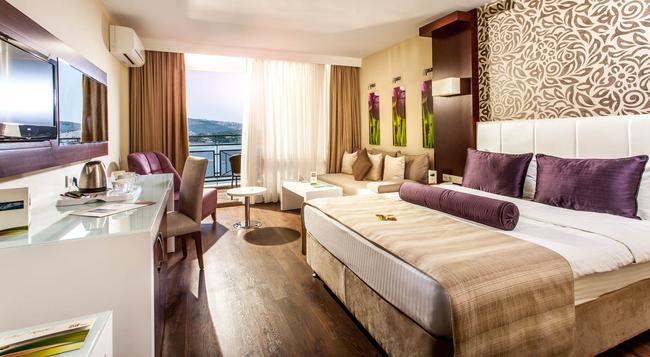 Tusan Beach Resort - Kusadasi - Bedroom