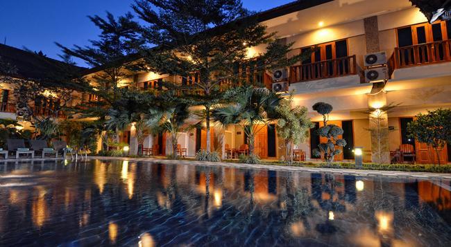 Taman Rosani Hotel - Kuta (Bali) - Building