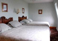 The National Hotel - New Shoreham - Bedroom