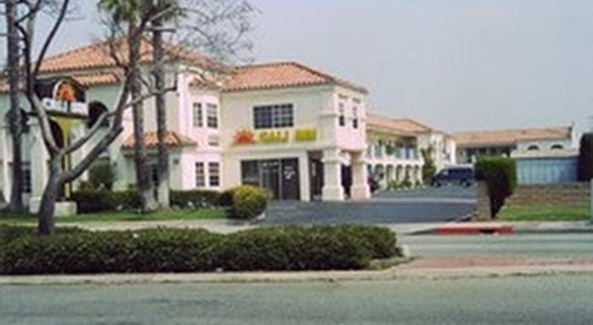 Cali-inn - Carson - Building