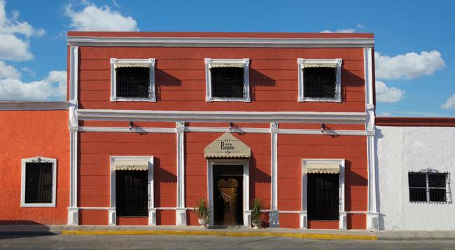 Hotel del Peregrino - Merida - Building