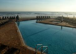 Hyatt Place Daytona Beach-Oceanfront - Daytona Beach - Pool