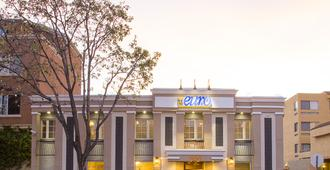 Pacific Euro Hotel - Redwood City - Building