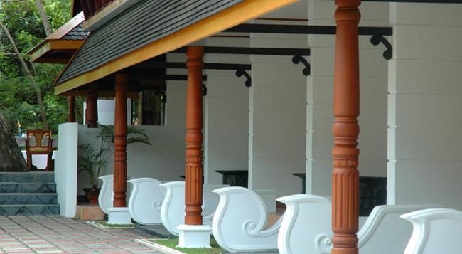 Hotel Amazing Nyaung Shwe - Nyaungshwe - Bedroom