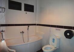 El Hacienda Homestead - Hua Hin - Bathroom