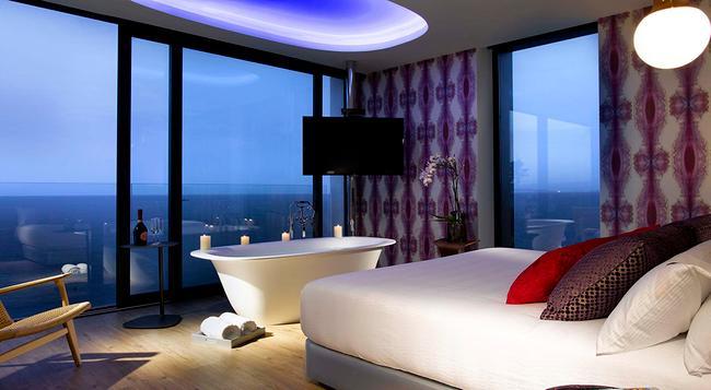 Hard Rock Hotel Ibiza - Sant Josep de sa Talaia - Bedroom