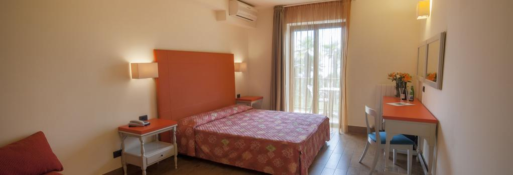 Hotel Royal Village - Limone sul Garda - Bedroom