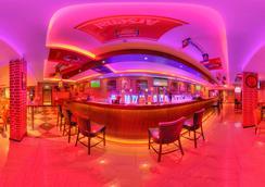 Fortune Karama Hotel - Dubai - Bar