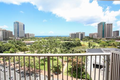 Hotel Lacroix Waikiki - Honolulu - Balcony