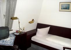 Hotel Zum Klüverbaum - Bremen - Bedroom