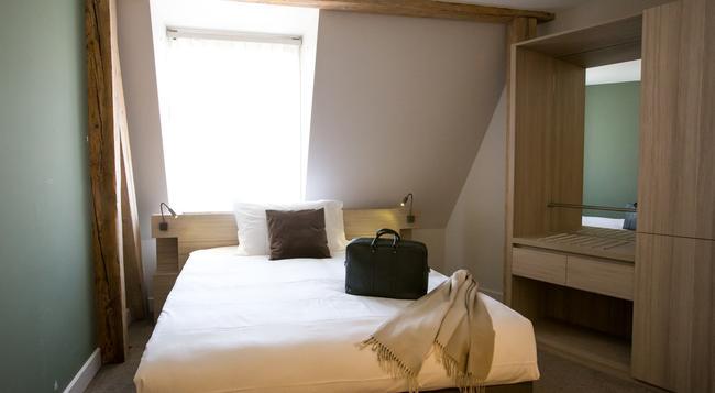 Hôtel Des Voyageurs - Lausanne - Bedroom
