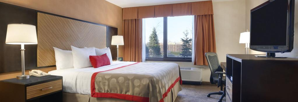 Ramada Plaza Newark Liberty International Airport - Newark - Bedroom