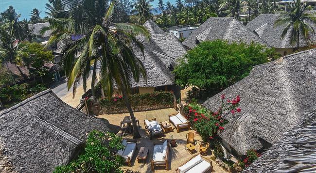 Mawimbi Lodge Hotel - Watamu - Building