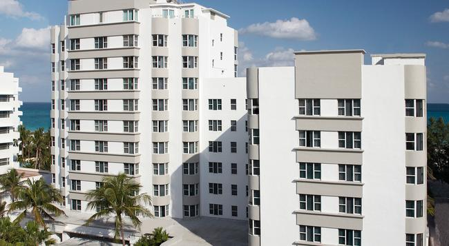 The Palms Hotel & Spa - Miami Beach - Building