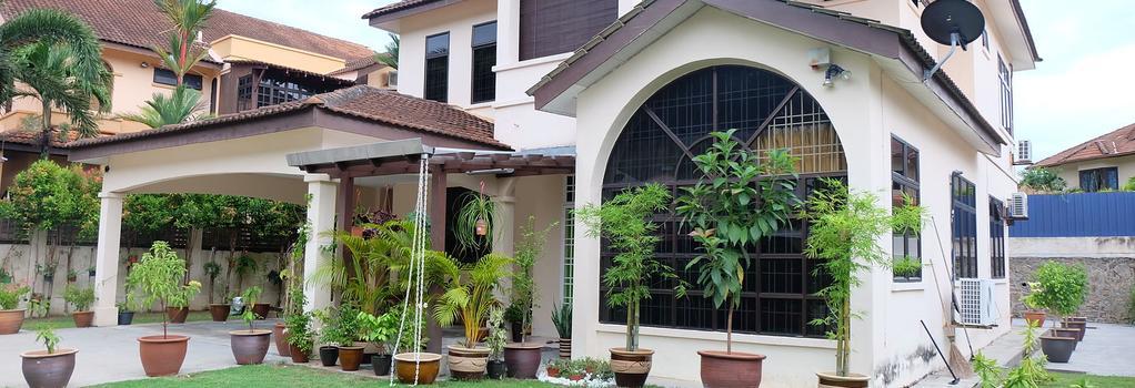 Irene Guest House - Batu Feringgi - Building