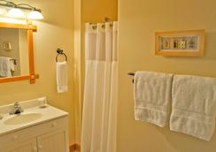 Wild Pacific Bed And Breakfast - Ucluelet - Bathroom
