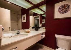 Lakeside Inn and Casino - Stateline - Bathroom