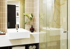 Rydges Campbelltown - Campbelltown - Bathroom