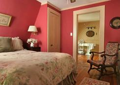 Birchwood Inn - Lenox - Bedroom