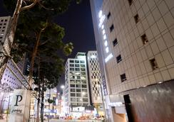 New Oriental Hotel - Seoul - Building
