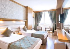 Oz Hotels Antalya Hotel Resort & Spa - Antalya - Bedroom