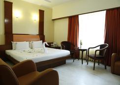Ulo Hotels Chennai Deluxe - Chennai - Bedroom