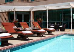 Renaissance Los Angeles Airport Hotel - Los Angeles - Pool