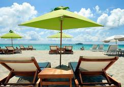 San Juan Hotel - Miami Beach - Beach